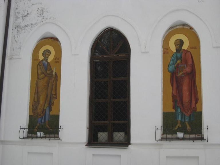 Одна из стен церкви