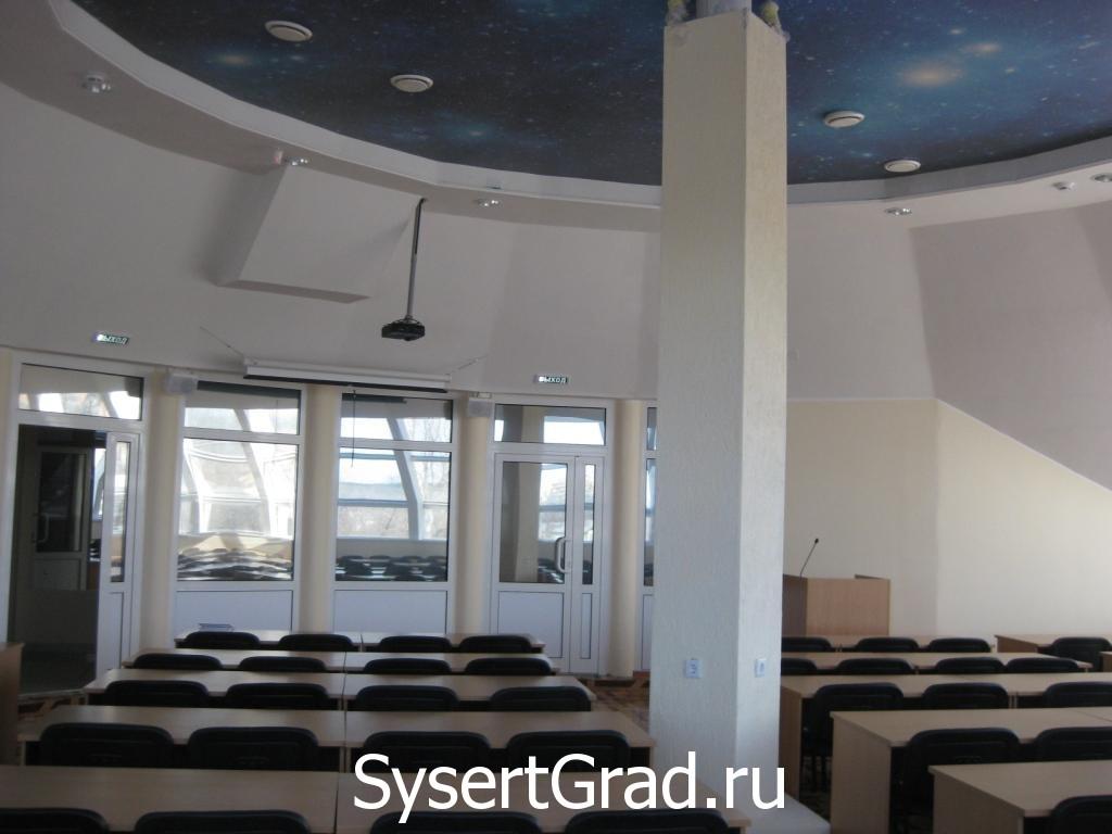 Chast' konferenc-zala budet zanimat' detskoe kafe restoranno-gostinichnogo kompleksa Smirnov