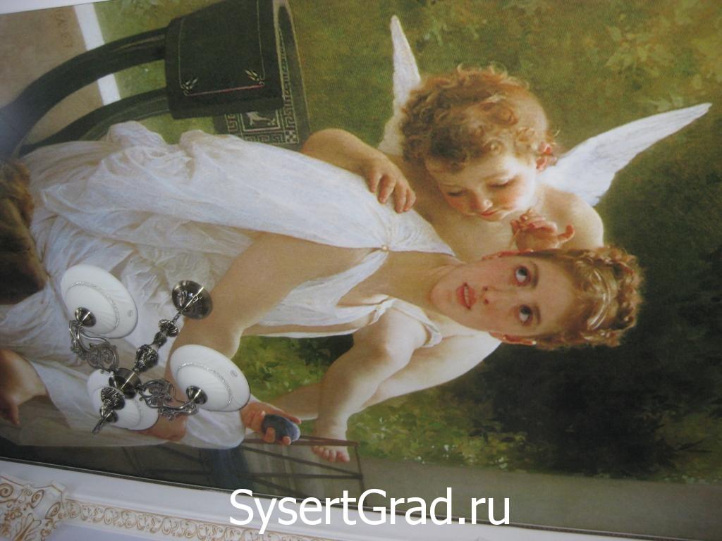 Krasivoe oformlenie potolkov v VIP-zale restoranno-gostinichnogo kompleksa «Smirnov»