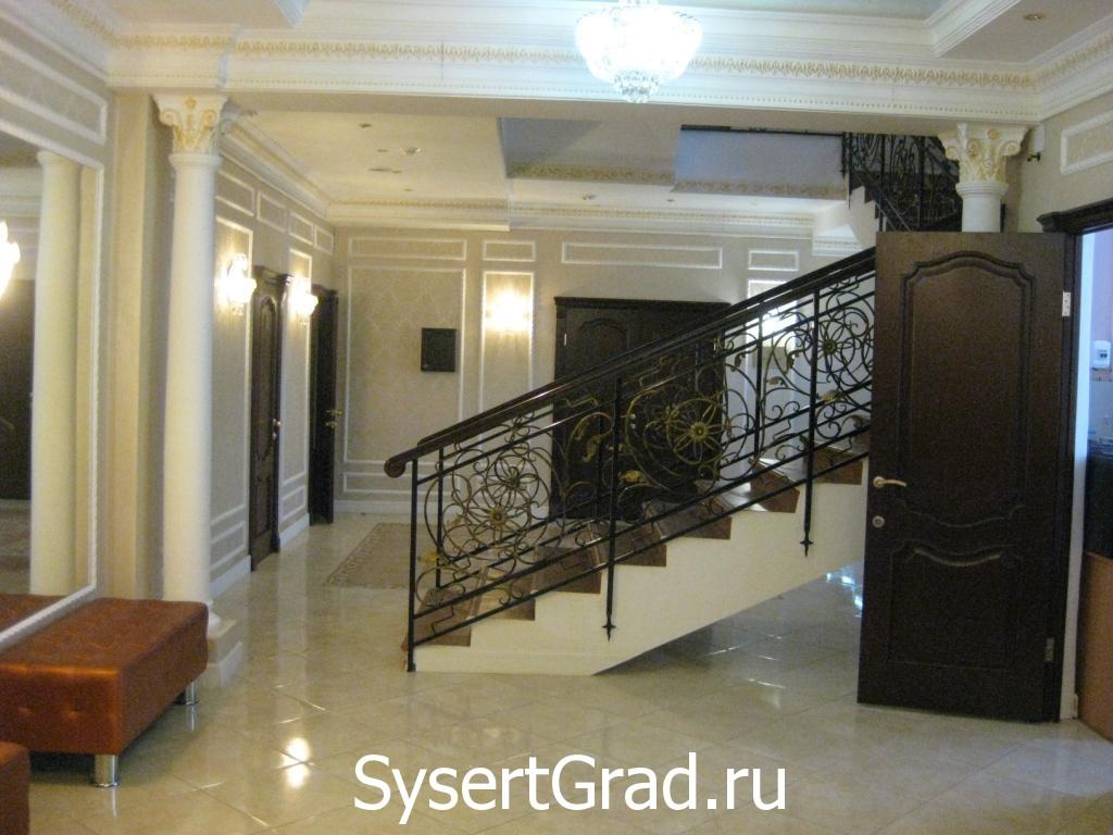 Первый этаж ресторанно-гостиничного комплекса Смирнов