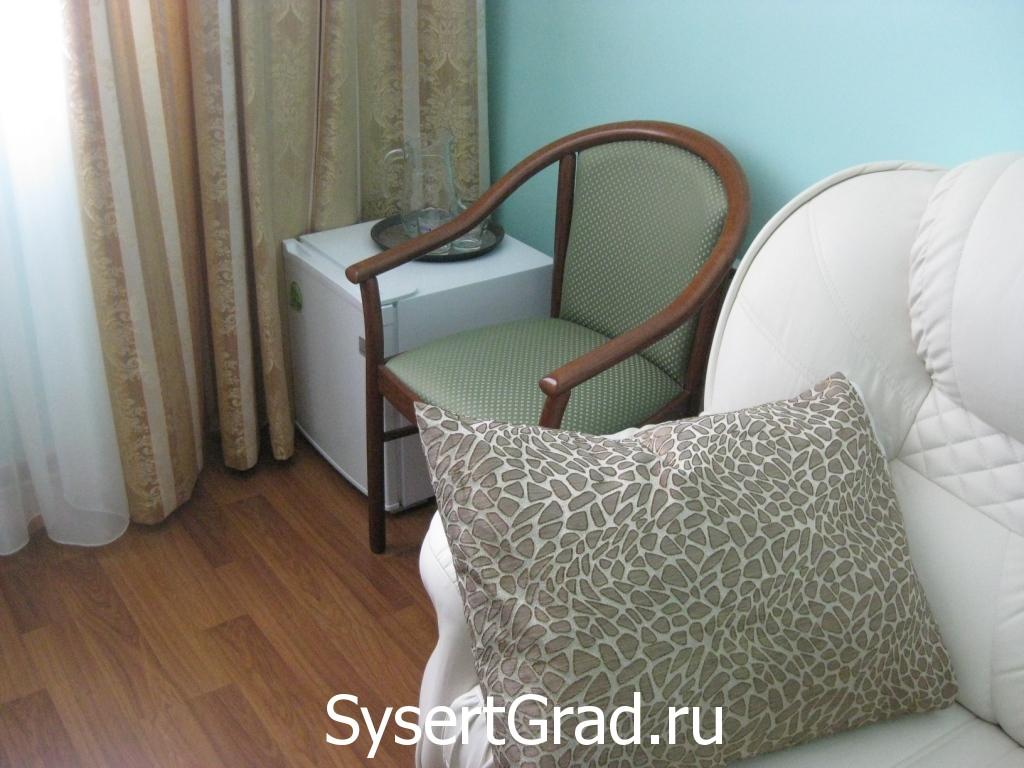 Sejf v nomere ljuks restoranno-gostinichnogo kompleksa «Smirnov»