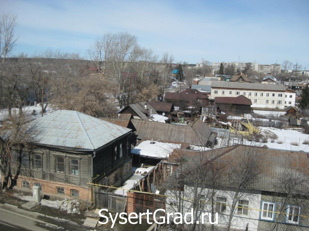 Vid iz okna trenazhernogo zala restoranno-gostinichnogo kompleksa Smirnov