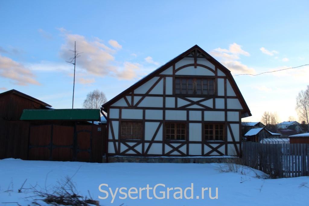 Городские жители покупают дома в поселке Асбест в качестве дачи