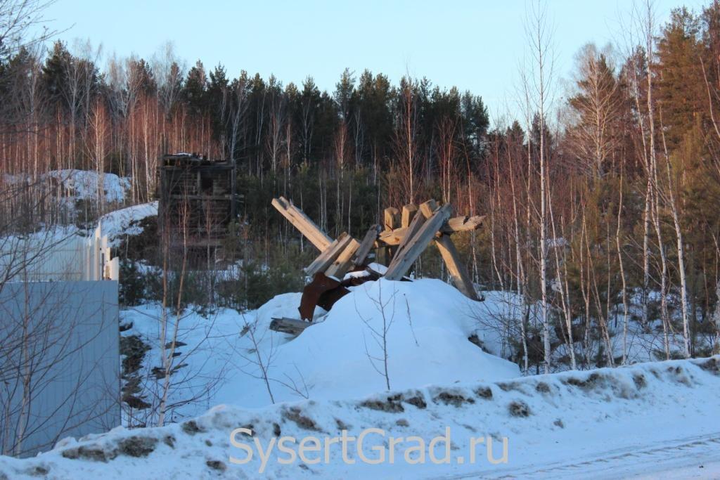 Развалины обогатительной фабрики в поселке Асбест