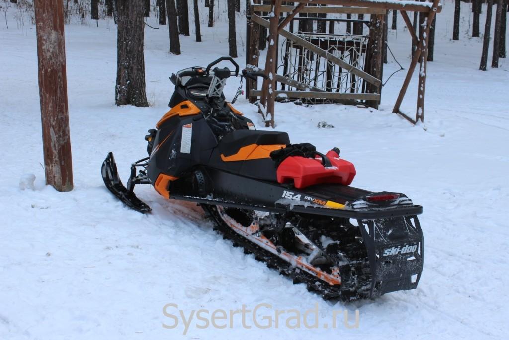 Снегоход в спортивно-оздоровительном центре СОВА