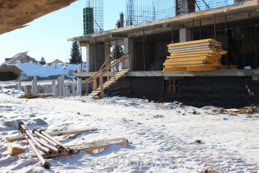 Стройка в Сысерти по адресу микрорайон Новый, 3 на 14 февраля 2015 года