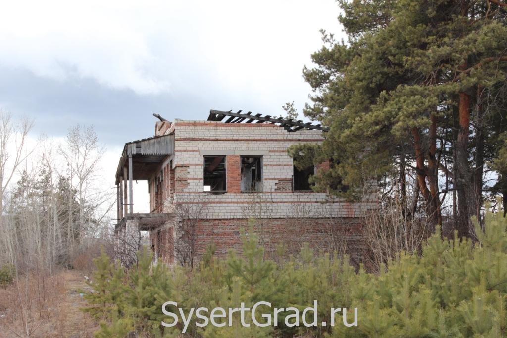 Крышу здания сняли