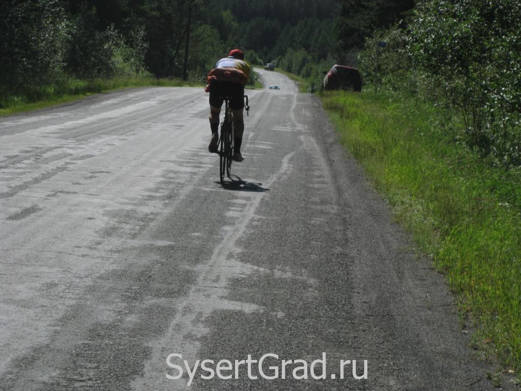Велосипедист на Черновской дороге