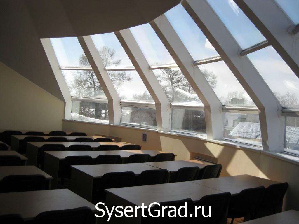 Konferenc-zal ili zal pod kupolom restoranno-gostinichnogo kompleksa Smirnov