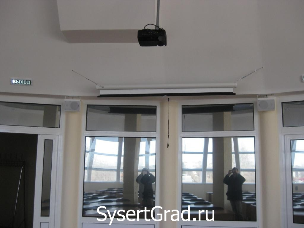 Mul'timedia konferenc-zala restoranno-gostinichnogo kompleksa Smirnov