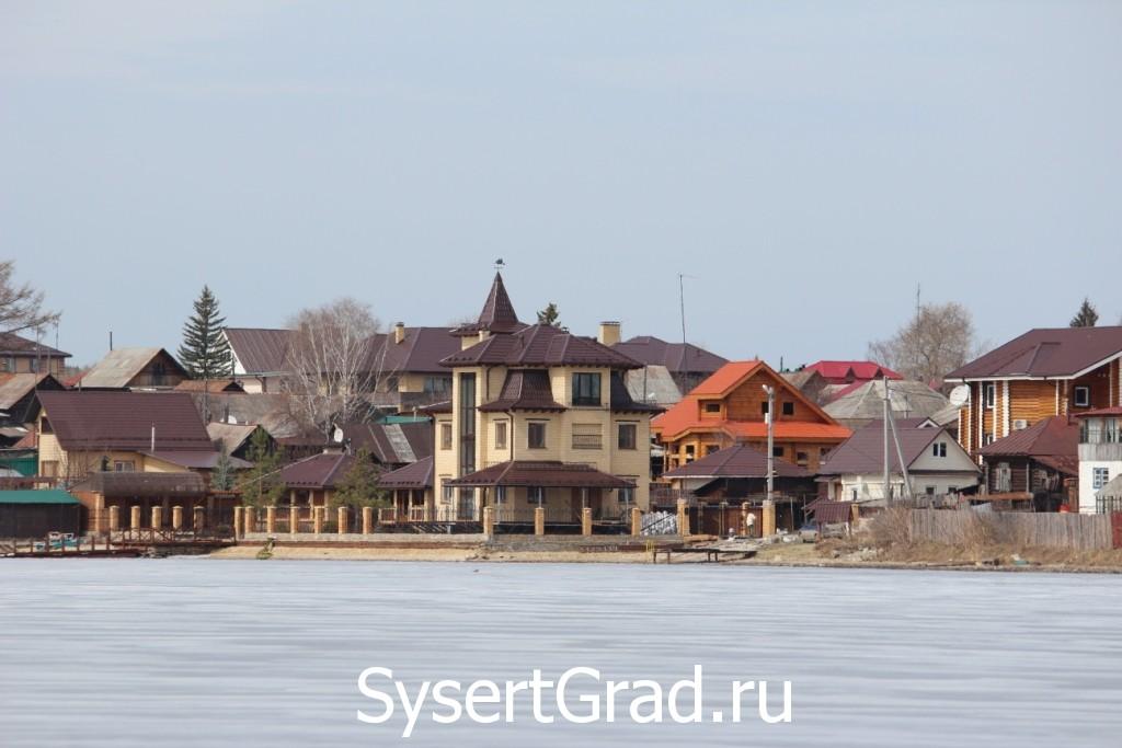 Дом в Сысерти с выходом на пруд