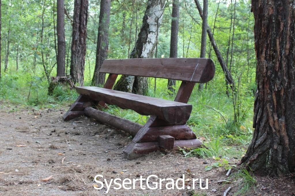 Двигаясь по дороге на Тальков камень здесь можно отдохнуть