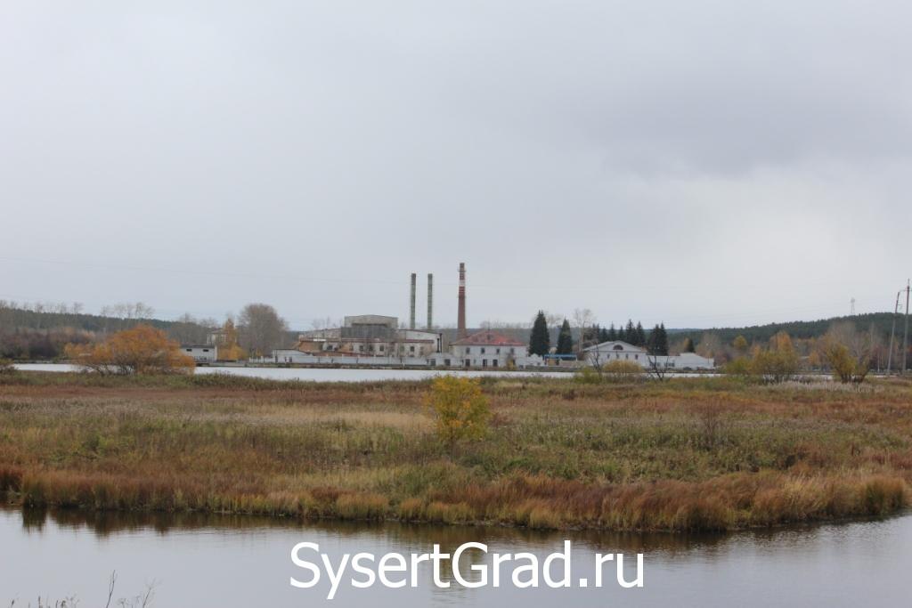 Уралгидромаш 10 фактов. Фотография со стороны реки.