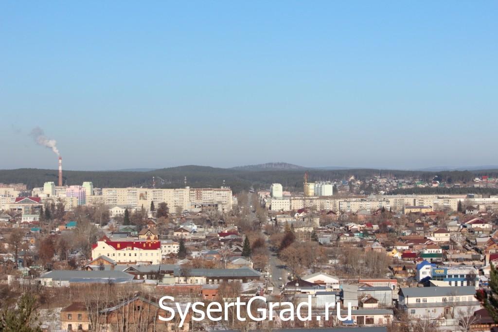 Сысерть район Старый центр, центр современный и микрорайон. Вид с горы Бессоновой.
