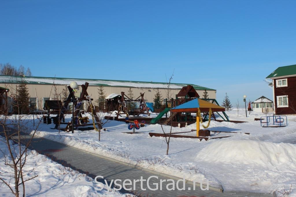 Детская площадка в конноспортивном клубе Белая Лошадь