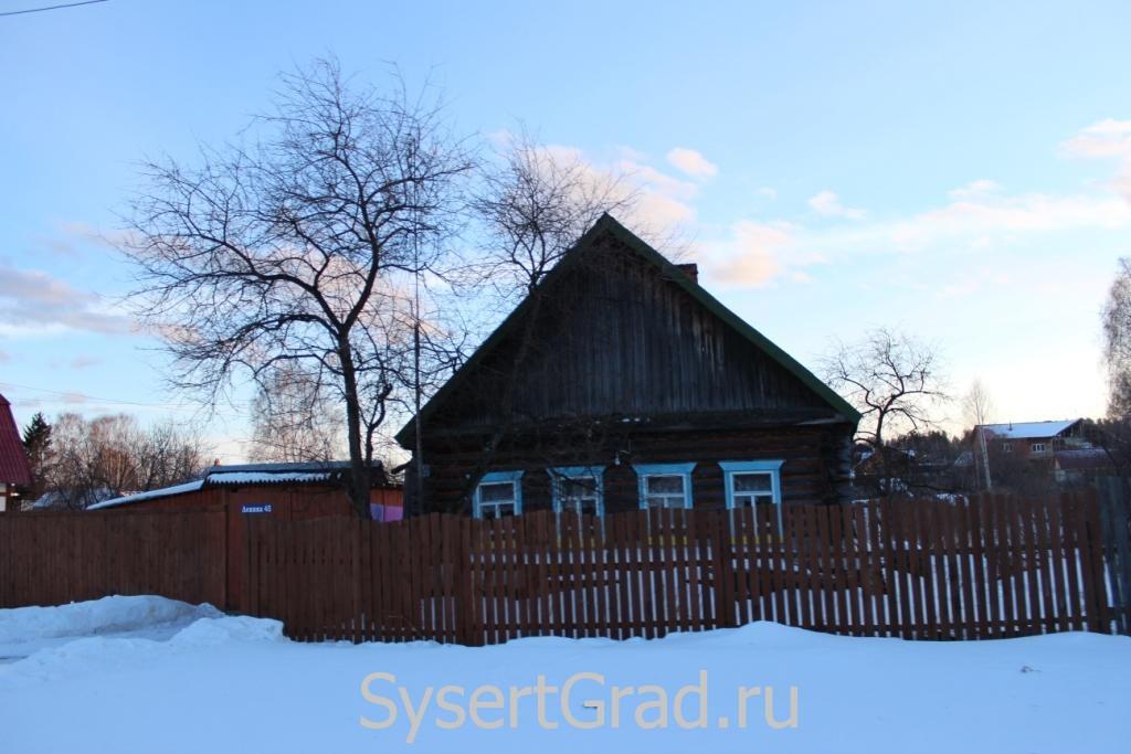 Дом в поселке Асбест