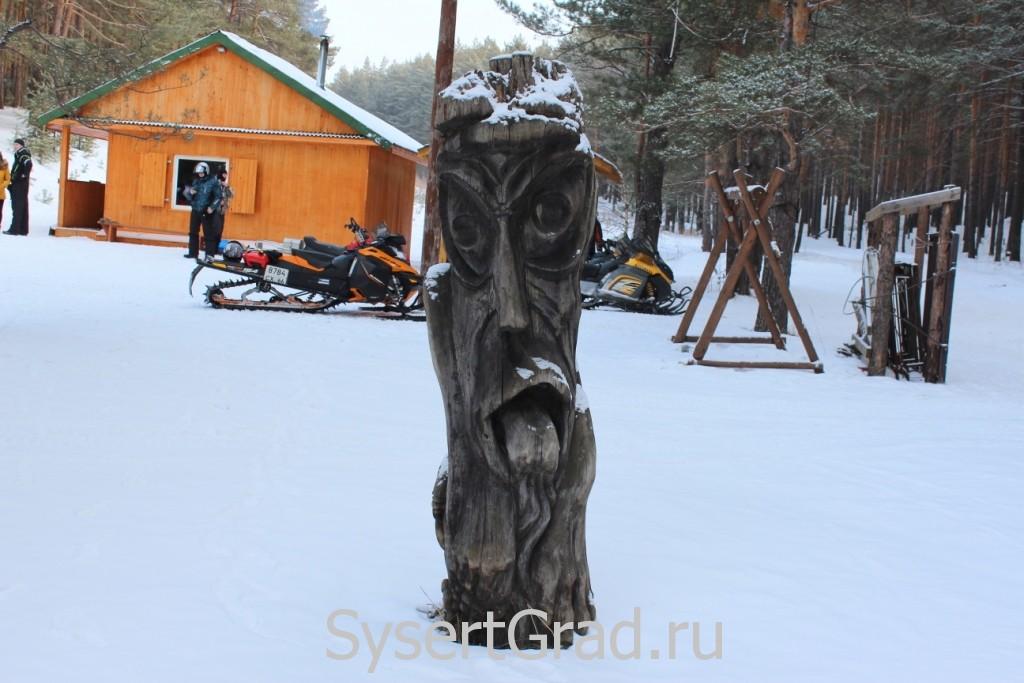 Фигура из дерева на базе СОВА