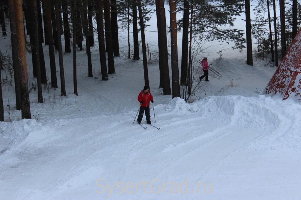 Лыжник на базе отдыха в Кашино