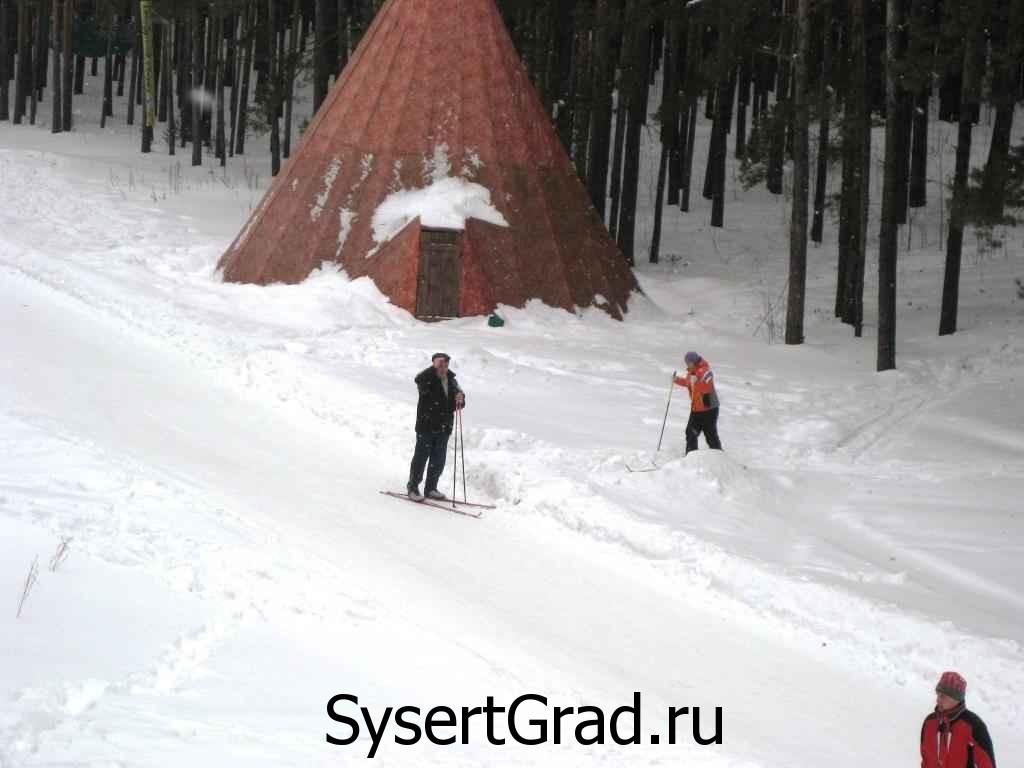 Лыжники на базе Сова