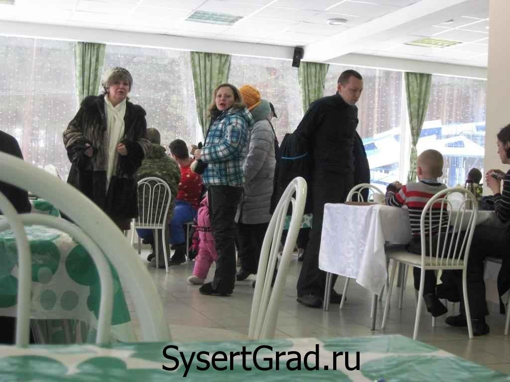 В кафе базы Сова