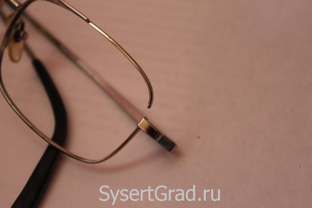 Что делать, если сломалась оправа очков?