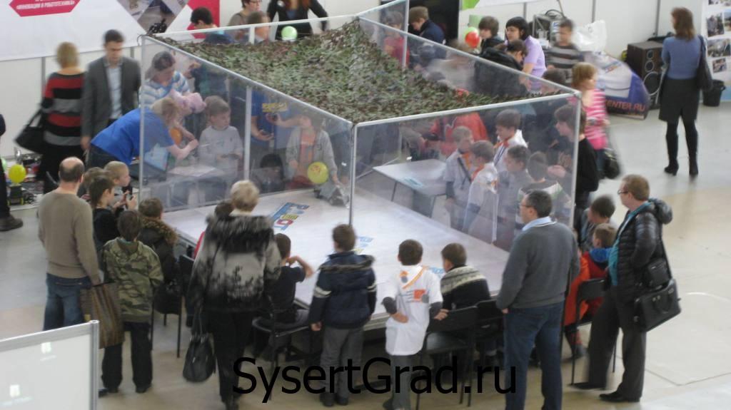 Экспозиция в выставочном центре КОСК Россия
