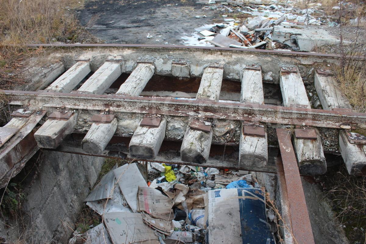 Не действующий железнодорожный тупик у Шабровского комбината